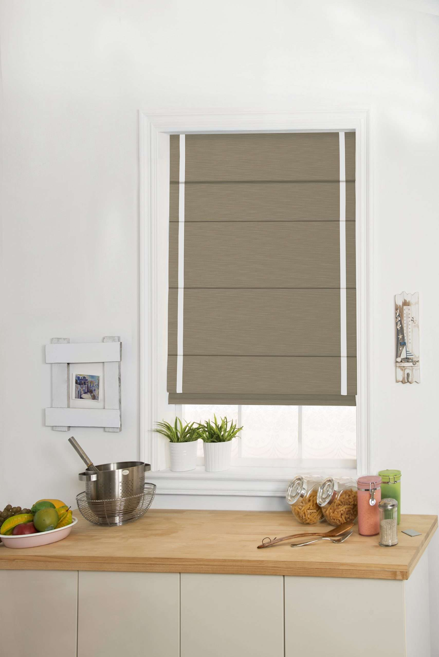 Flat Fold with batten back Shade with a contrast side band